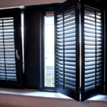 Wehlton Shutters zijn houten binnenluiken met verstelbare louvers.